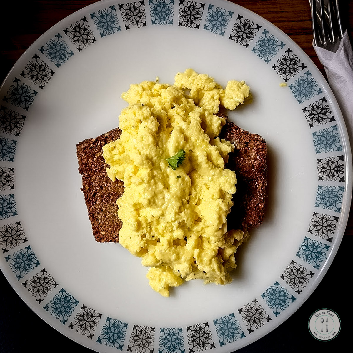 Scrambled egg with homemade brown bread at Fennelly's.