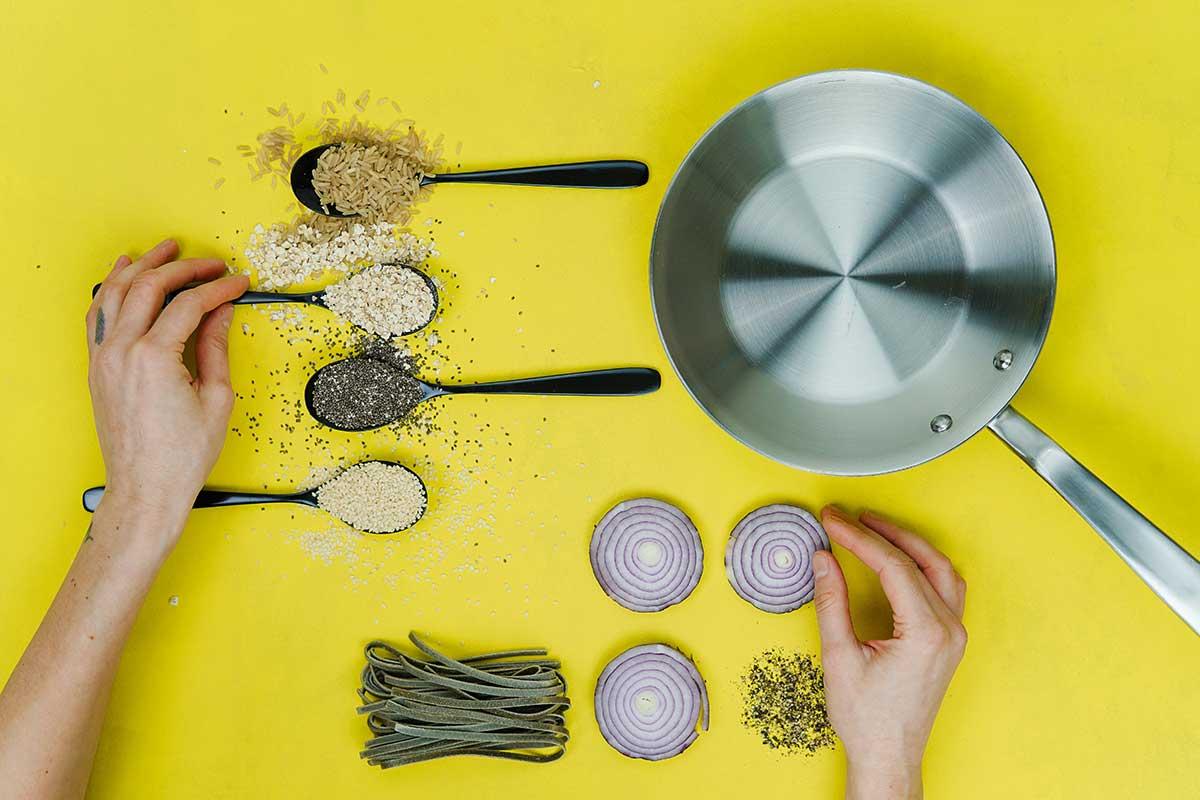 Ready, steady, cook. Photo: Toa Heftiba/Unsplash